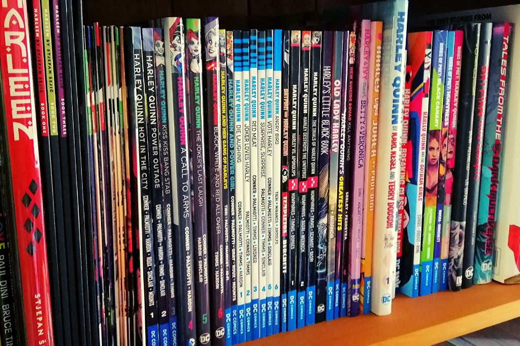 stack of comics